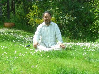 TT in a field of Daisies May 2007 040